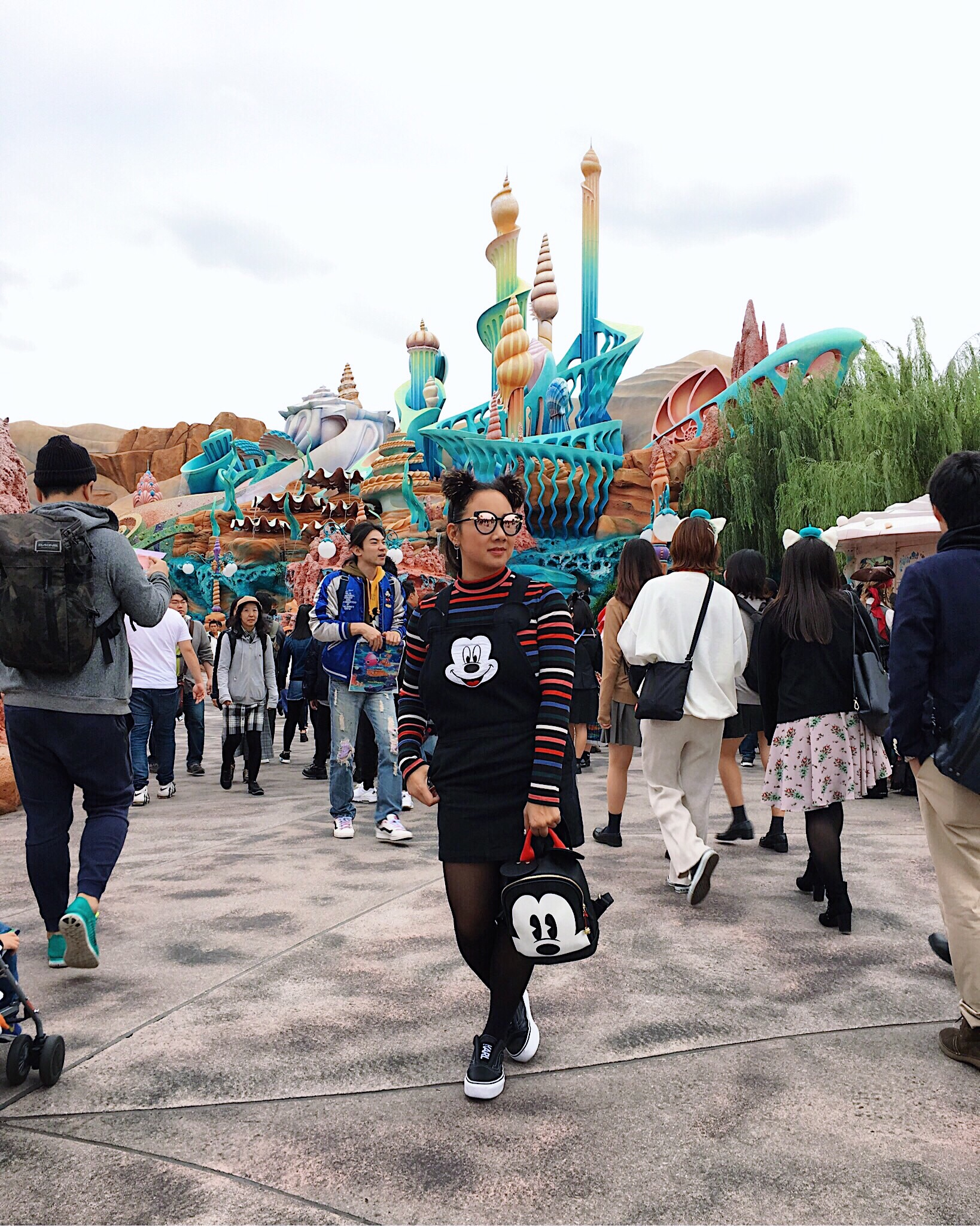 Tokyo disney resort disneyland disneysea style travel outfit mickey international