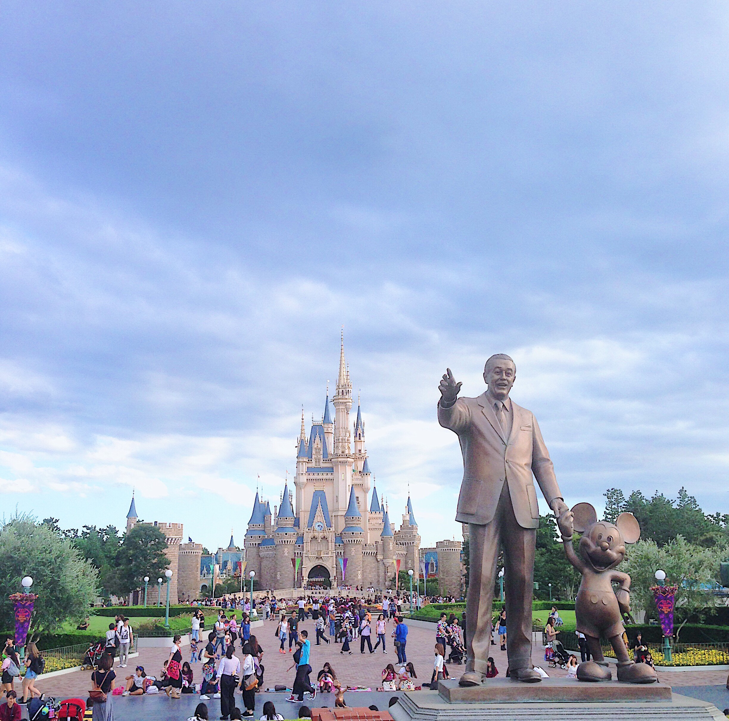 japan tokyo disneyland disney style park sea resort walt mickey mouse international park